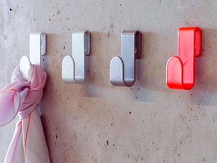 Colourful wall hooks by Schönbuch