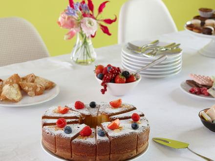 Tasty cakes out of the big SL14 cake pan by Konstantin Slawinski