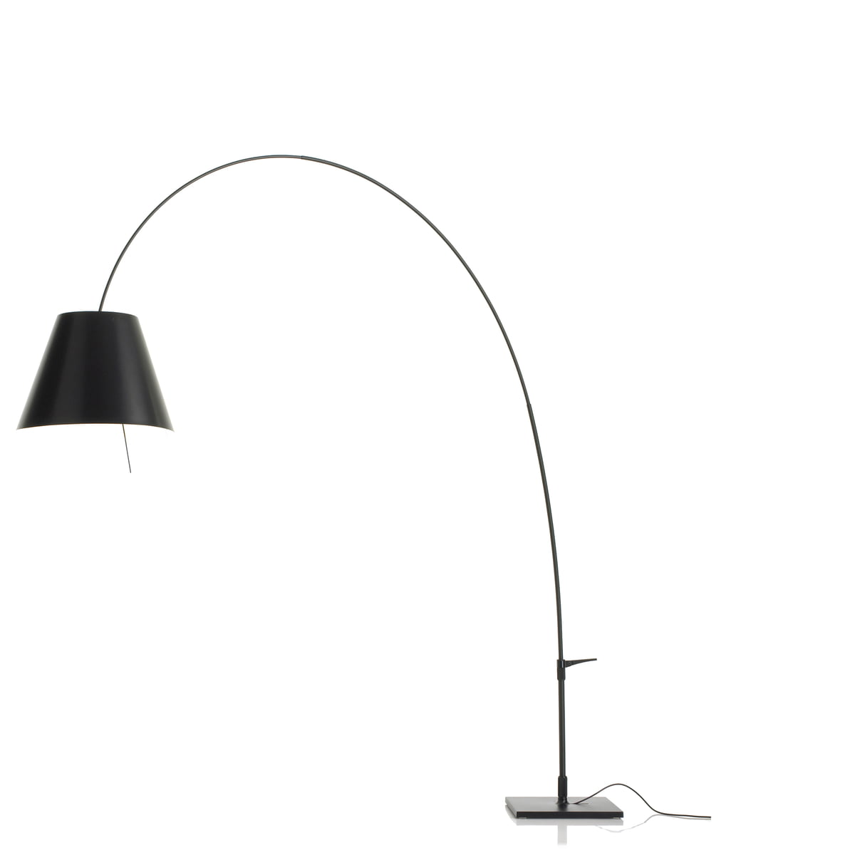 the lady costanza floor lamp by luceplan. Black Bedroom Furniture Sets. Home Design Ideas