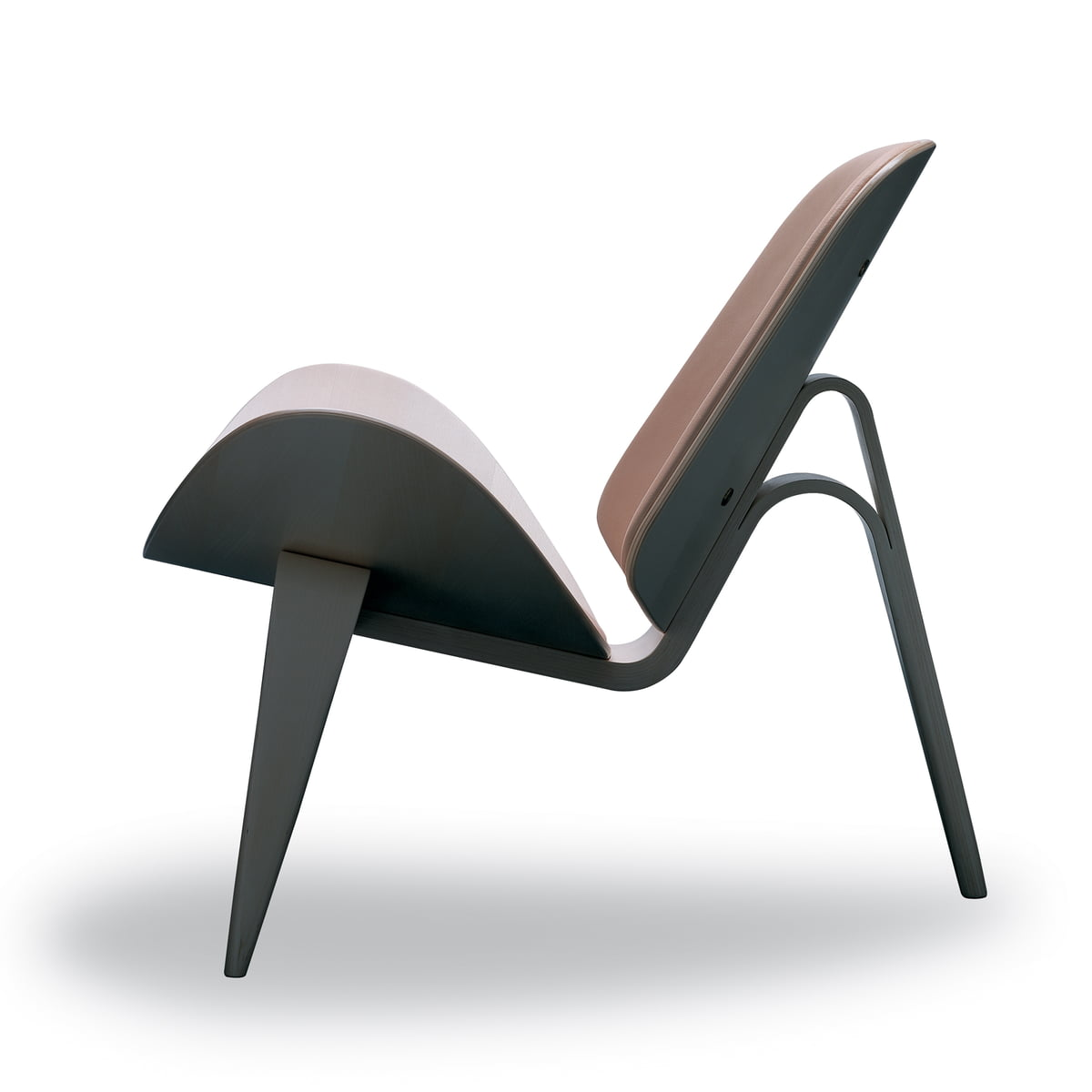 The ch07 shell chair by carl hansen for Eames schalenstuhl