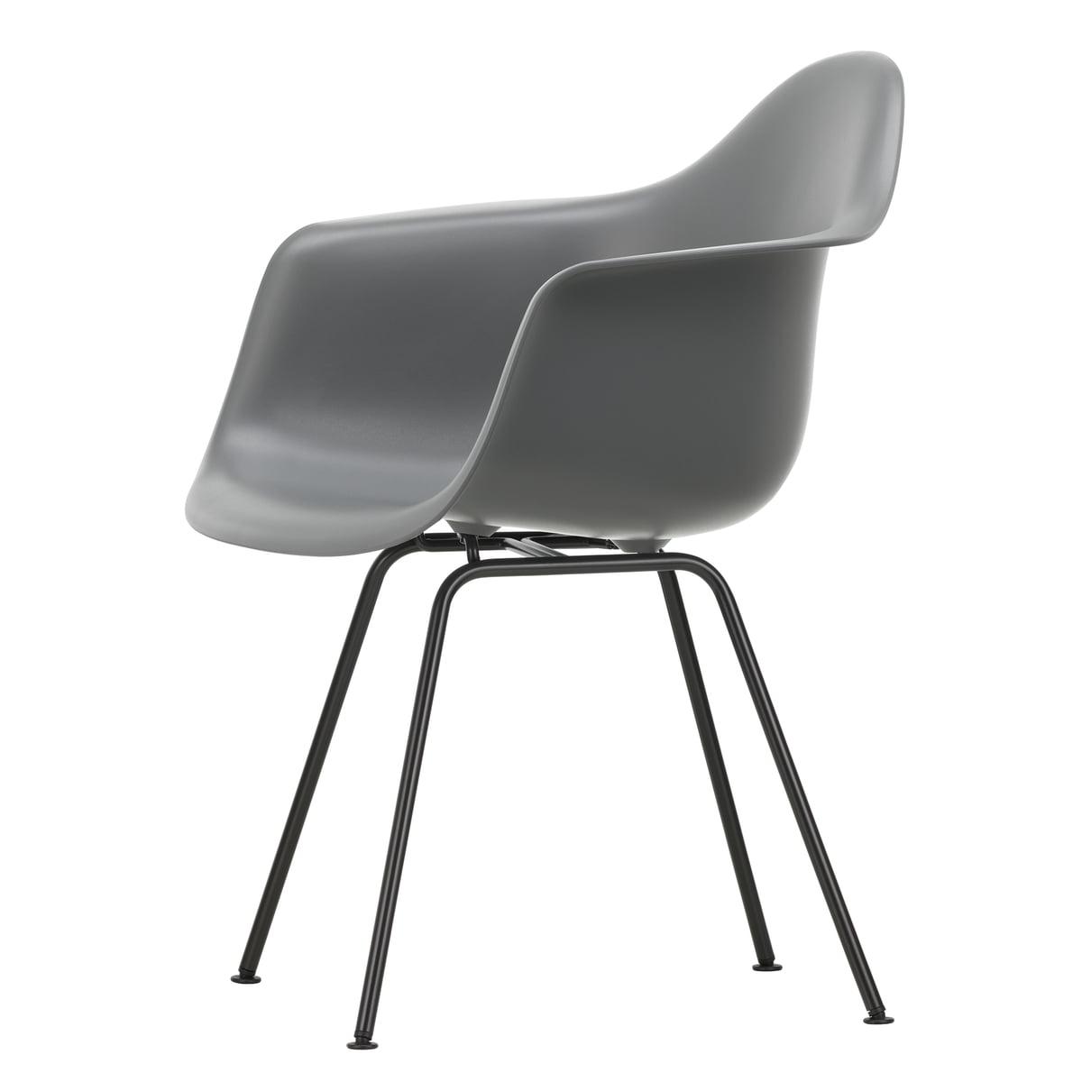 098f03ca4df45 Vitra-Eames-Plastic-Armchair-DAX-basic-dark-granitgrau.jpg