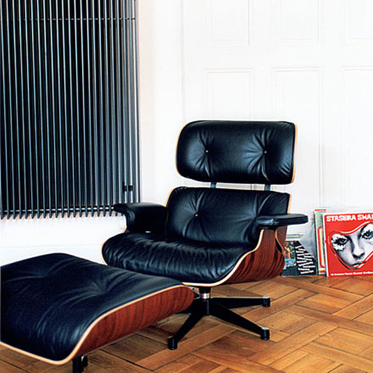 Strange Vitra Lounge Chair Ottoman Polished Black Sides American Cherrywood Chocolate Classic Caraccident5 Cool Chair Designs And Ideas Caraccident5Info