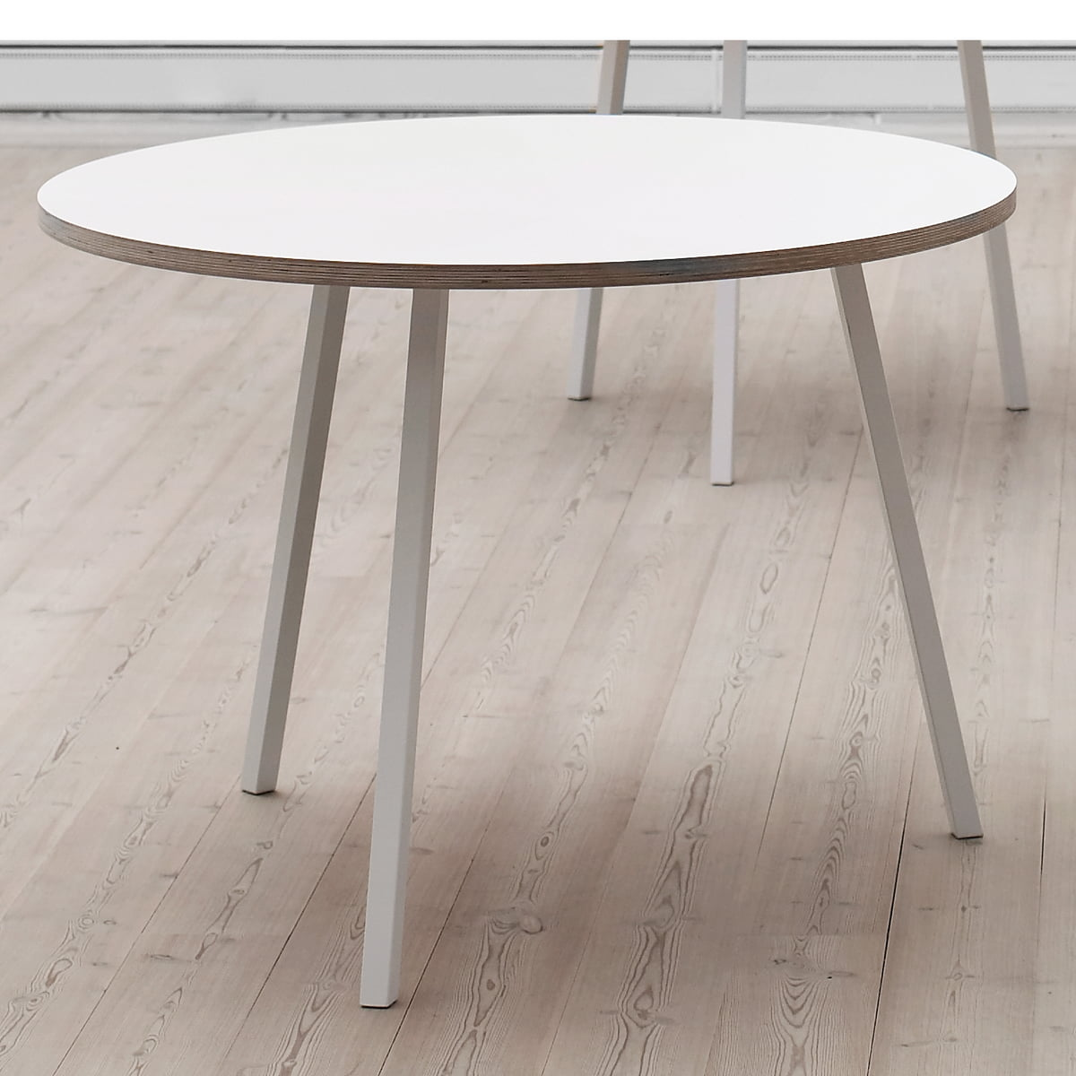 Hay   Loop Stand Round Table, White