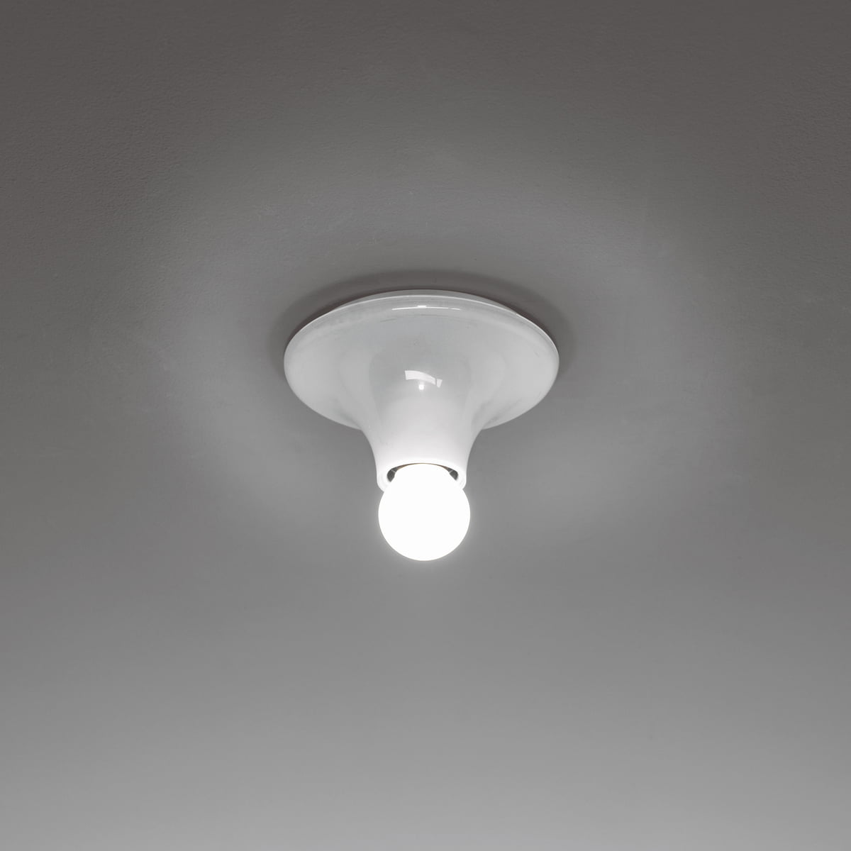 Artemide Teti wall and ceiling l& white & Teti wall and ceiling light by Artemide azcodes.com