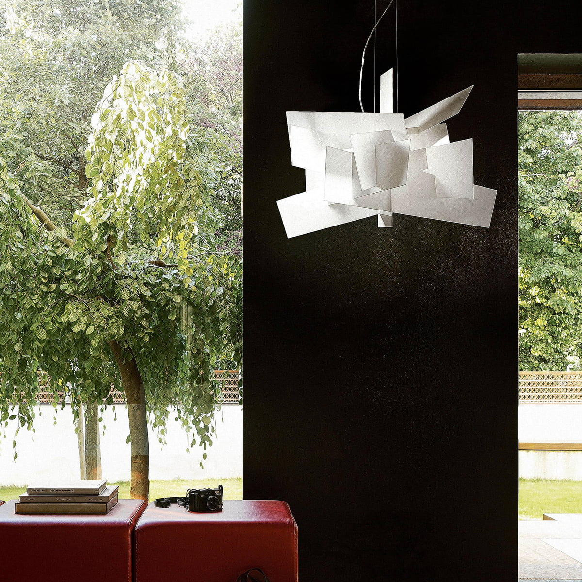 big bang pendant lamp by foscarini. Black Bedroom Furniture Sets. Home Design Ideas
