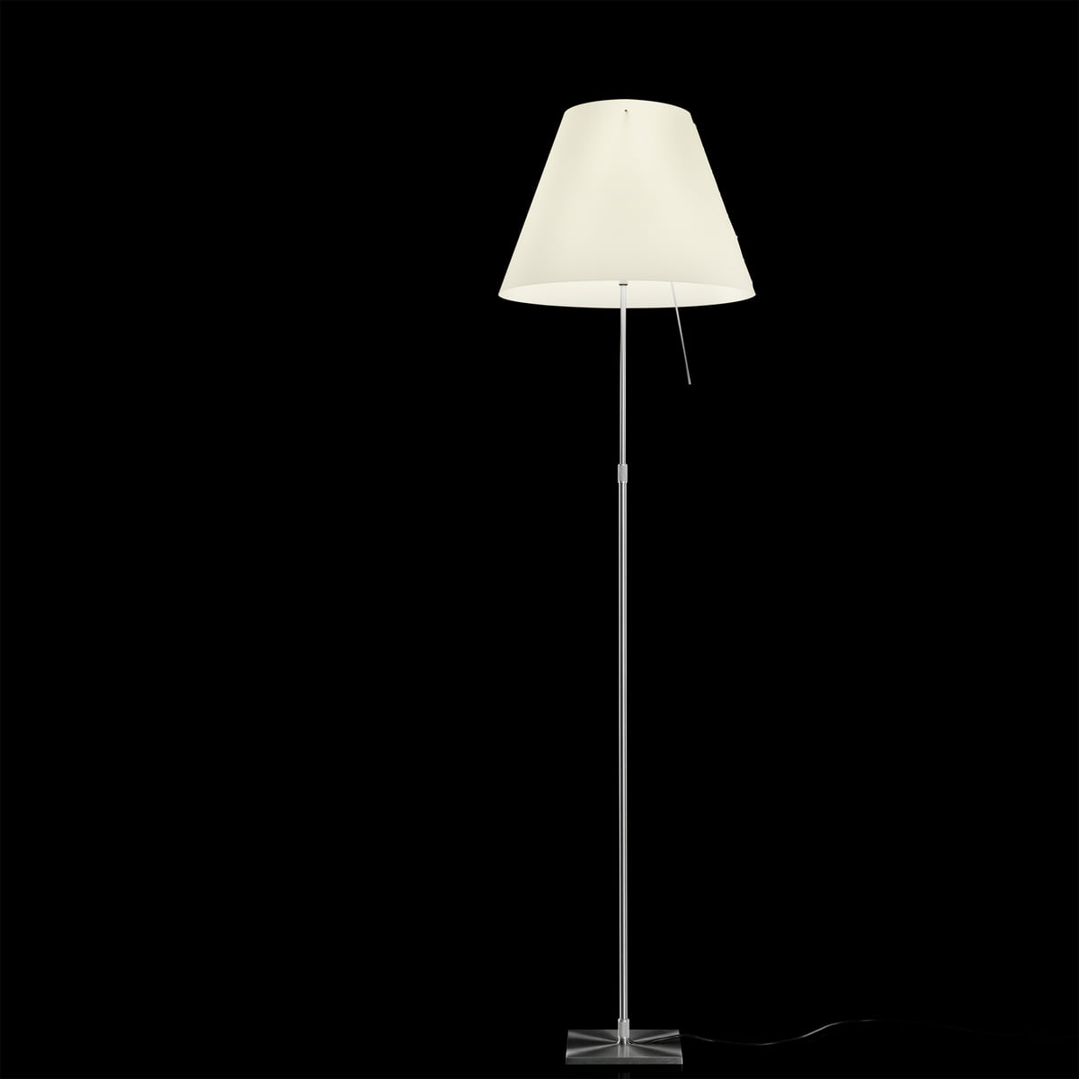 costanza standard lamp by luceplan. Black Bedroom Furniture Sets. Home Design Ideas