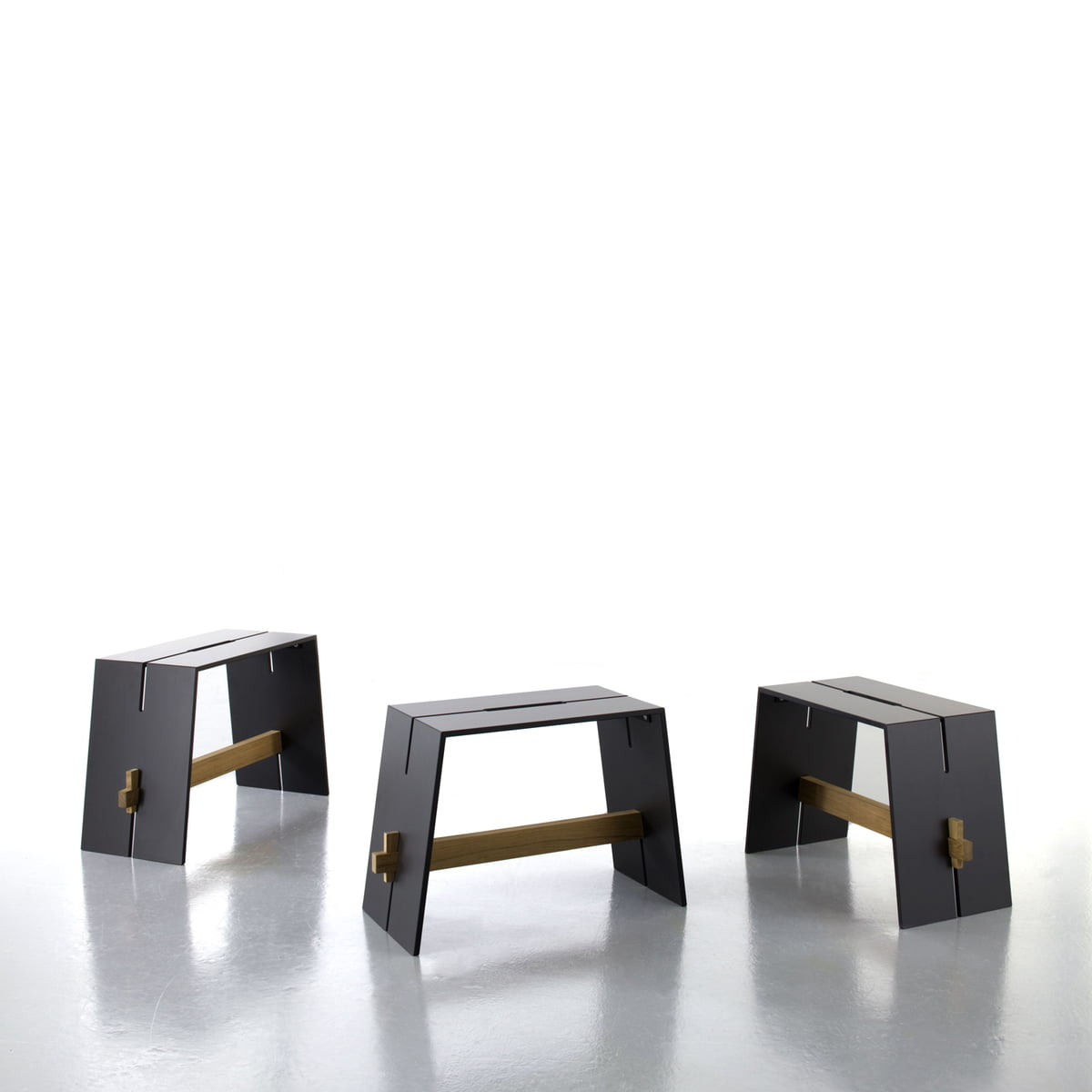 Tension side table stool by conmoto for Beistelltisch couch