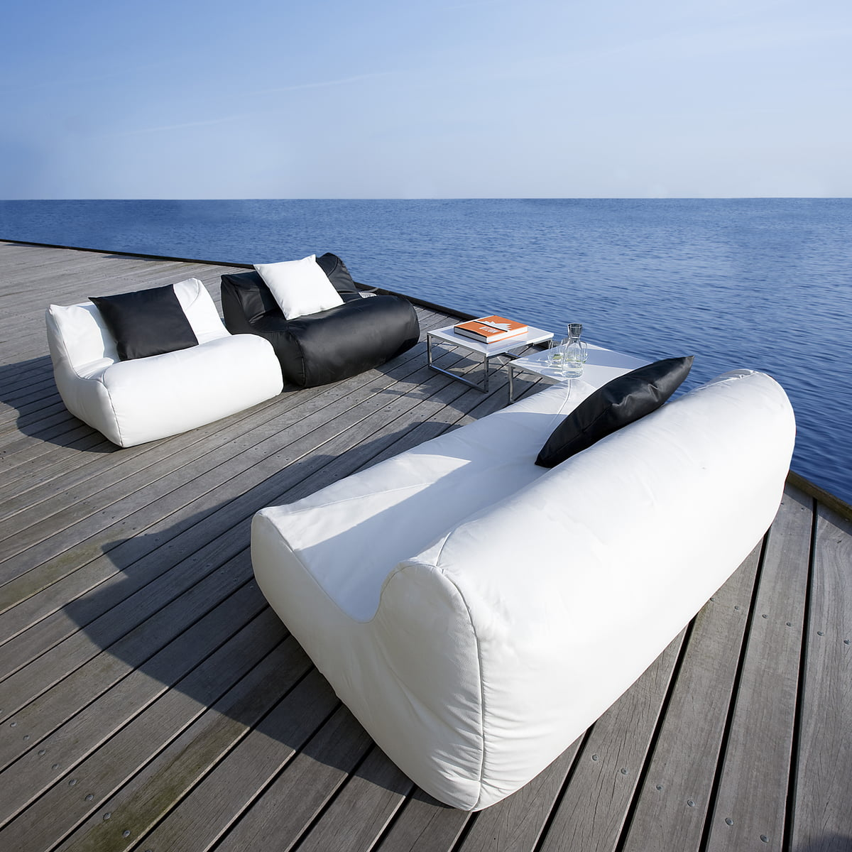 fluid lounge beanbag outdoor by softline. Black Bedroom Furniture Sets. Home Design Ideas