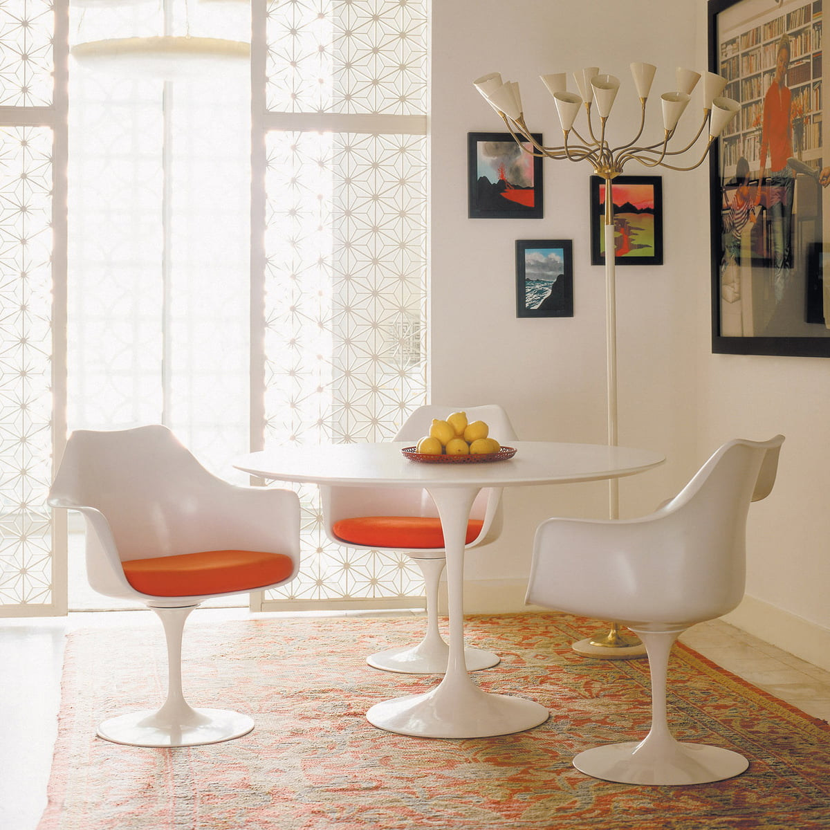 Knoll   Saarinen Tulip Bistro Table, Round 73 X Ø 120 Cm   Leg White /table  Top White Laminate