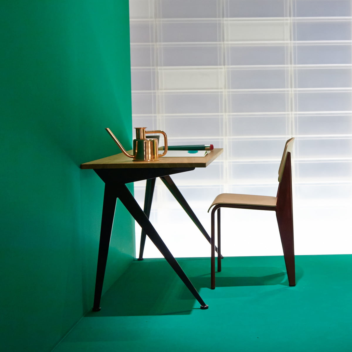 Vitra   Compas Direction Table