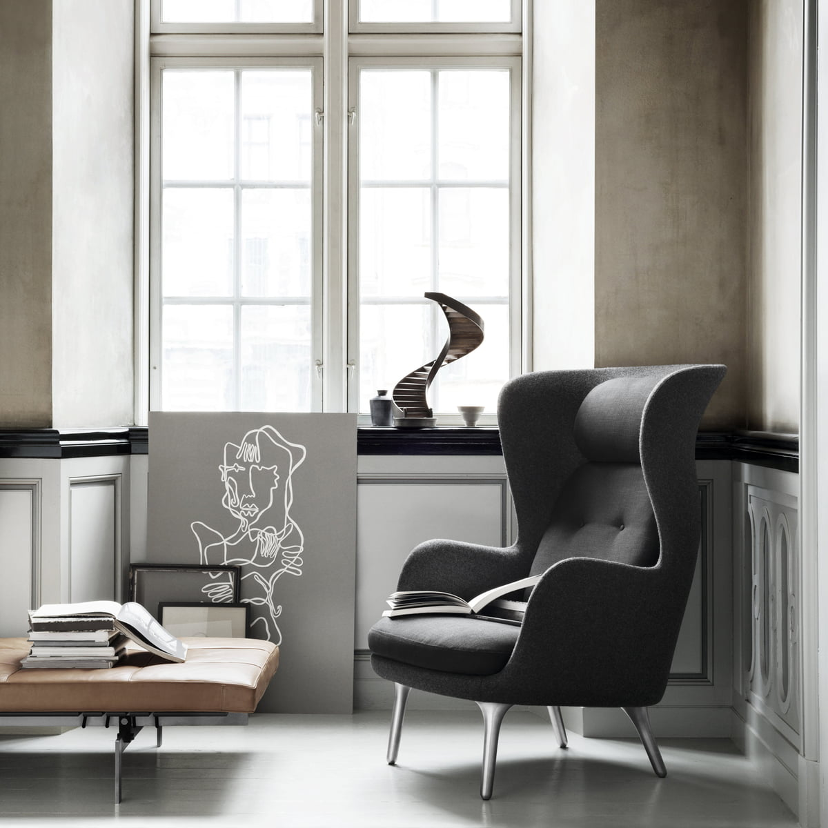 ro armchair by fritz hansen connox. Black Bedroom Furniture Sets. Home Design Ideas