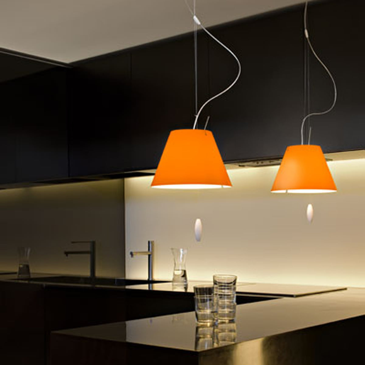 the costanzina pendant lamp by luceplan. Black Bedroom Furniture Sets. Home Design Ideas