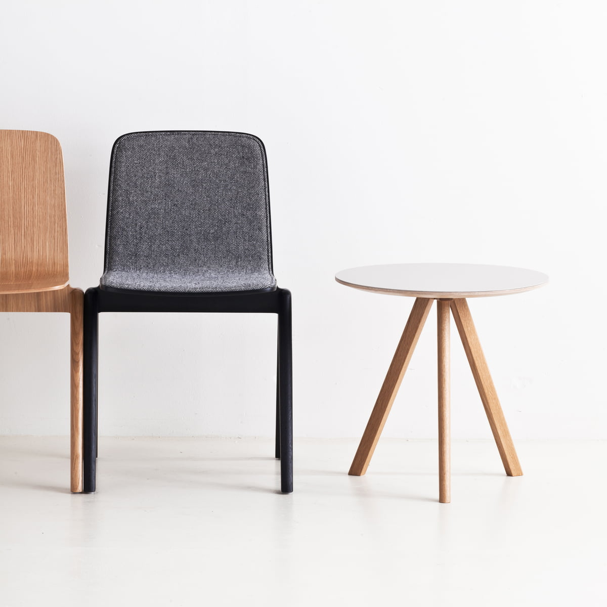 The copenhague cph20 side table by hay for Beistelltisch couch