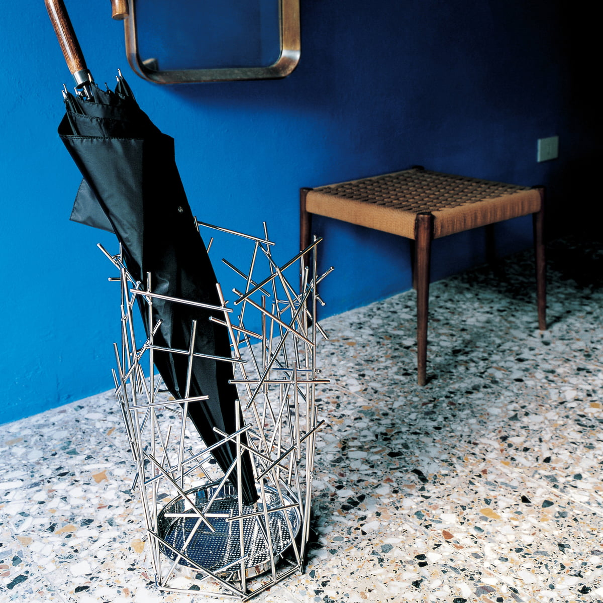 blow up umbrella stand by alessi. Black Bedroom Furniture Sets. Home Design Ideas