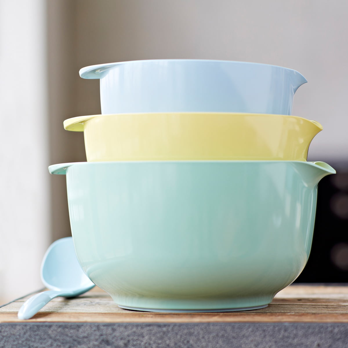 mixing bowl margrethe retro colours. Black Bedroom Furniture Sets. Home Design Ideas