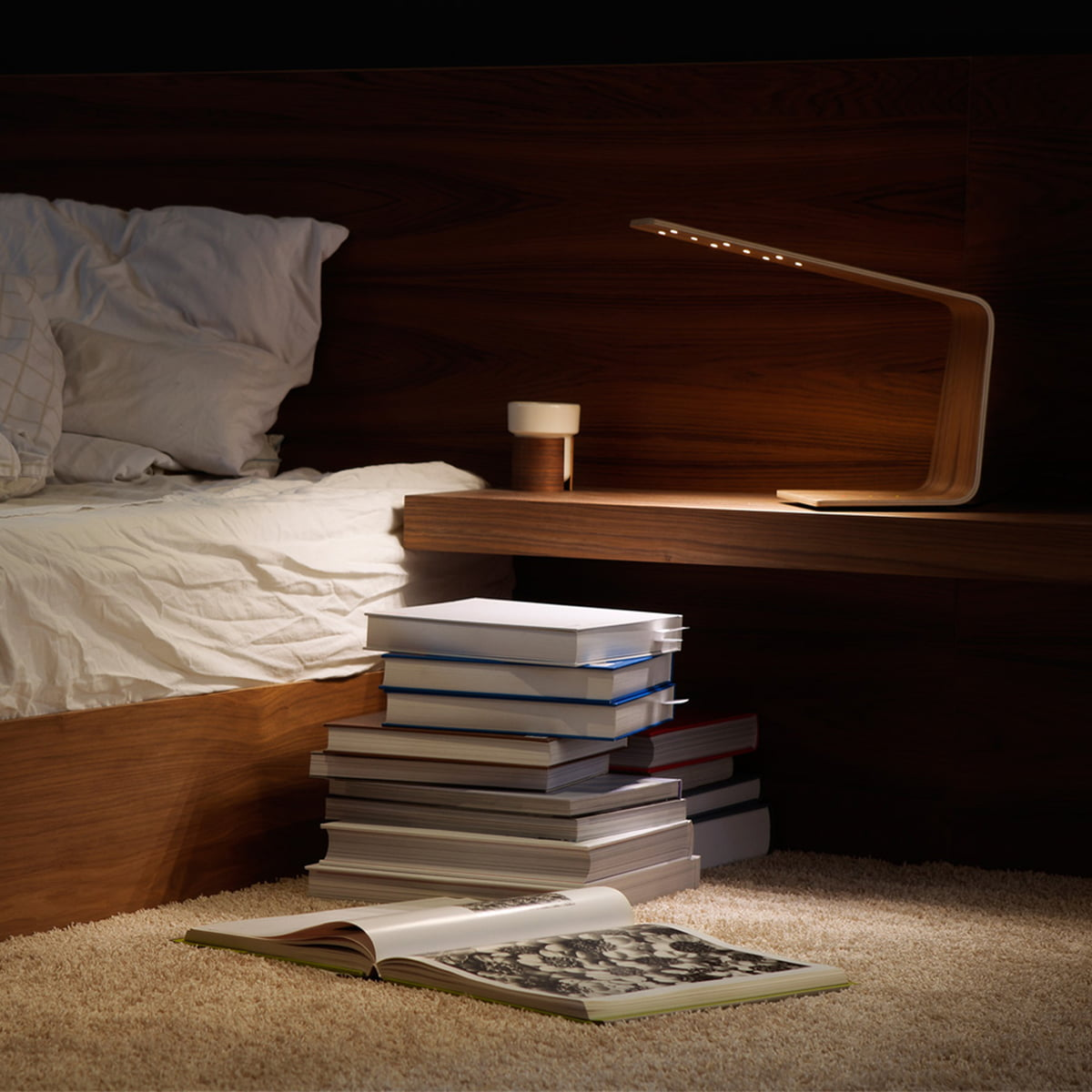 Led 1 Table Lamp Invites One To Read In Bed
