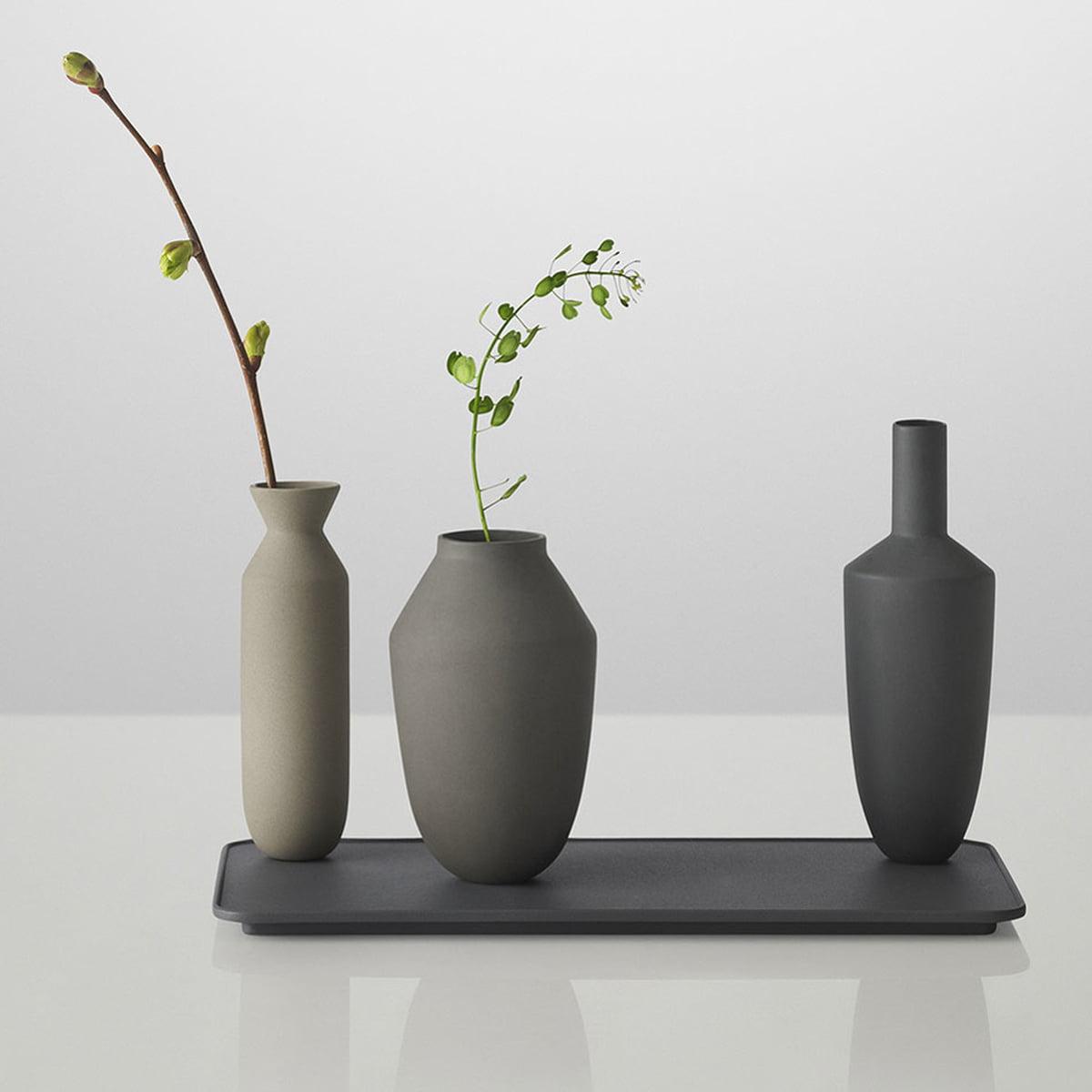 Balance vase by muuto in the home design shop muuto balance vase 3 vasen set black with flowers reviewsmspy
