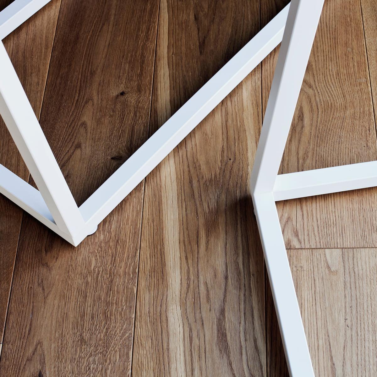 lume coat stand bedesign connox shop. Black Bedroom Furniture Sets. Home Design Ideas