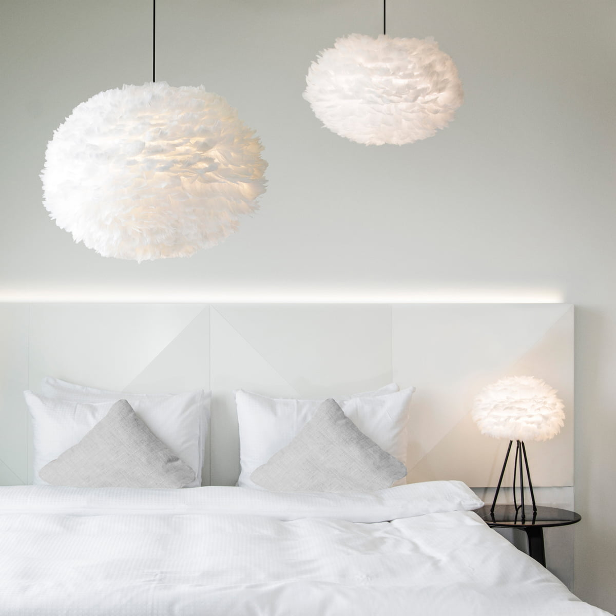 Enormt Eos Cream by Umage in the interior design shop LJ-85