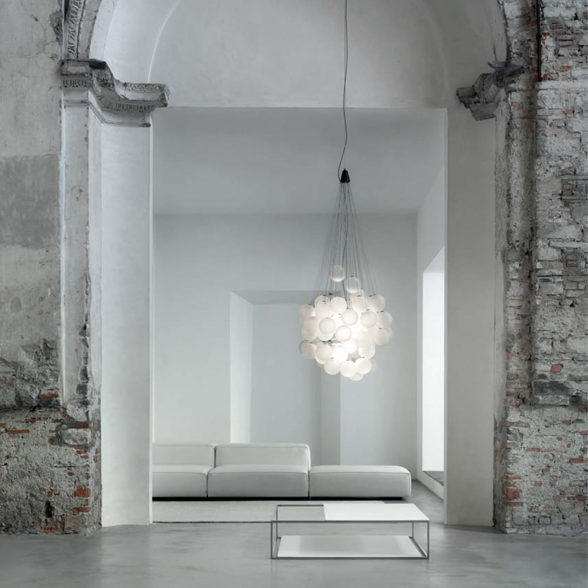 stochastic pendant lamp by luceplan. Black Bedroom Furniture Sets. Home Design Ideas