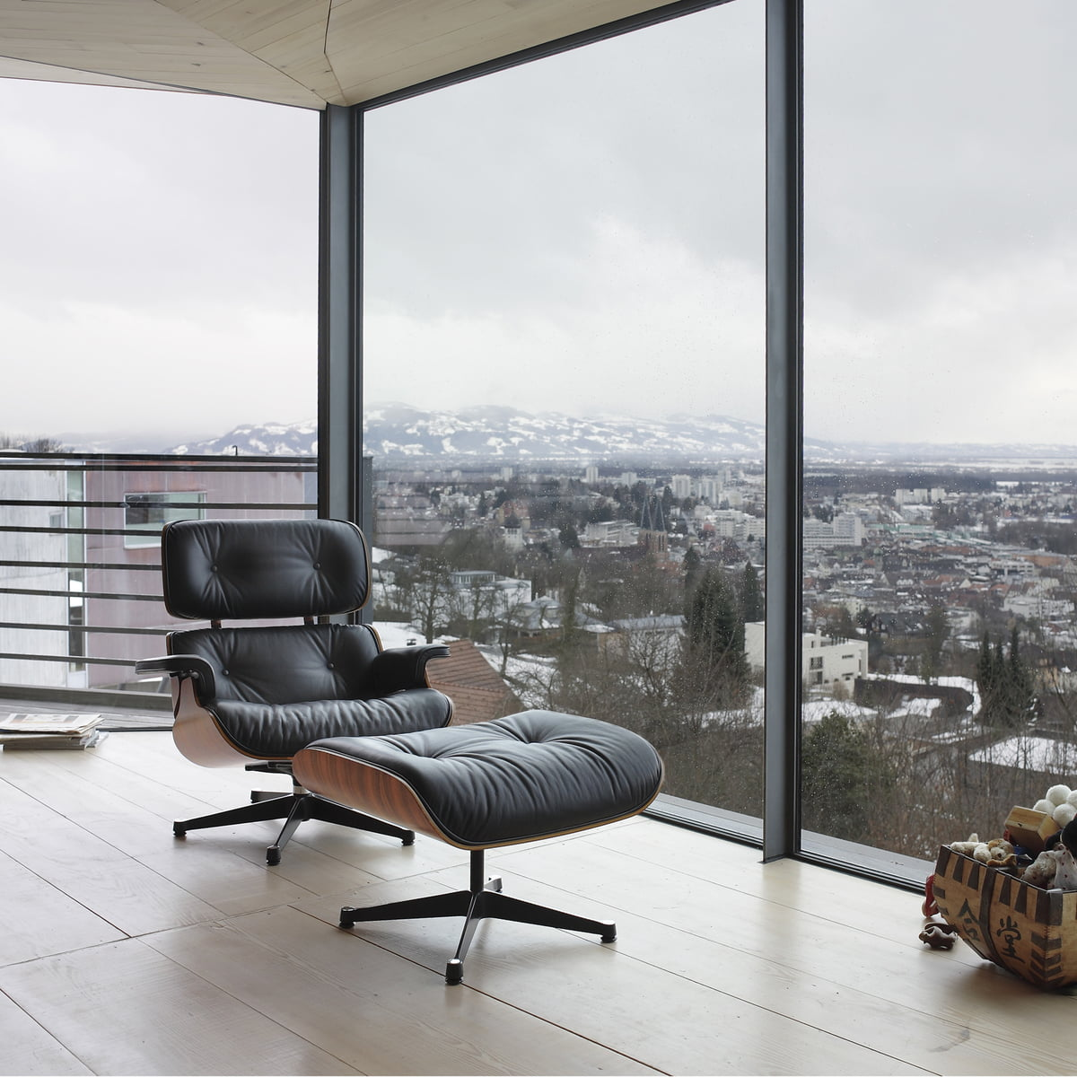 Vitra Lounge Chair U0026 Ottoman
