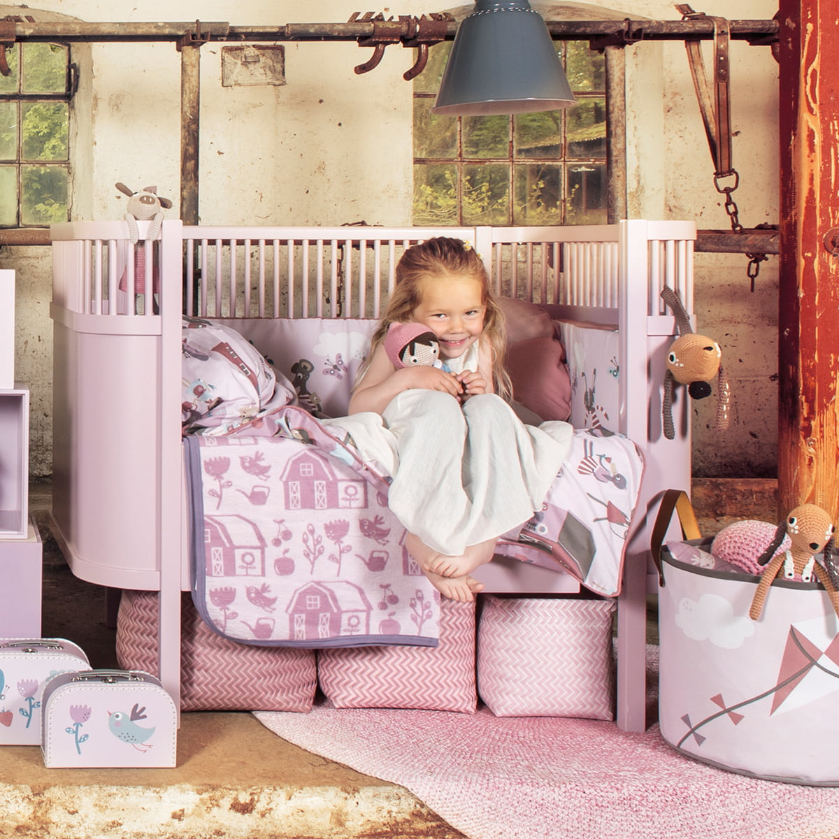 sebra kili babybed junior bed pastel pink sebra kili babybed junior bed pastel pink toddler. Black Bedroom Furniture Sets. Home Design Ideas