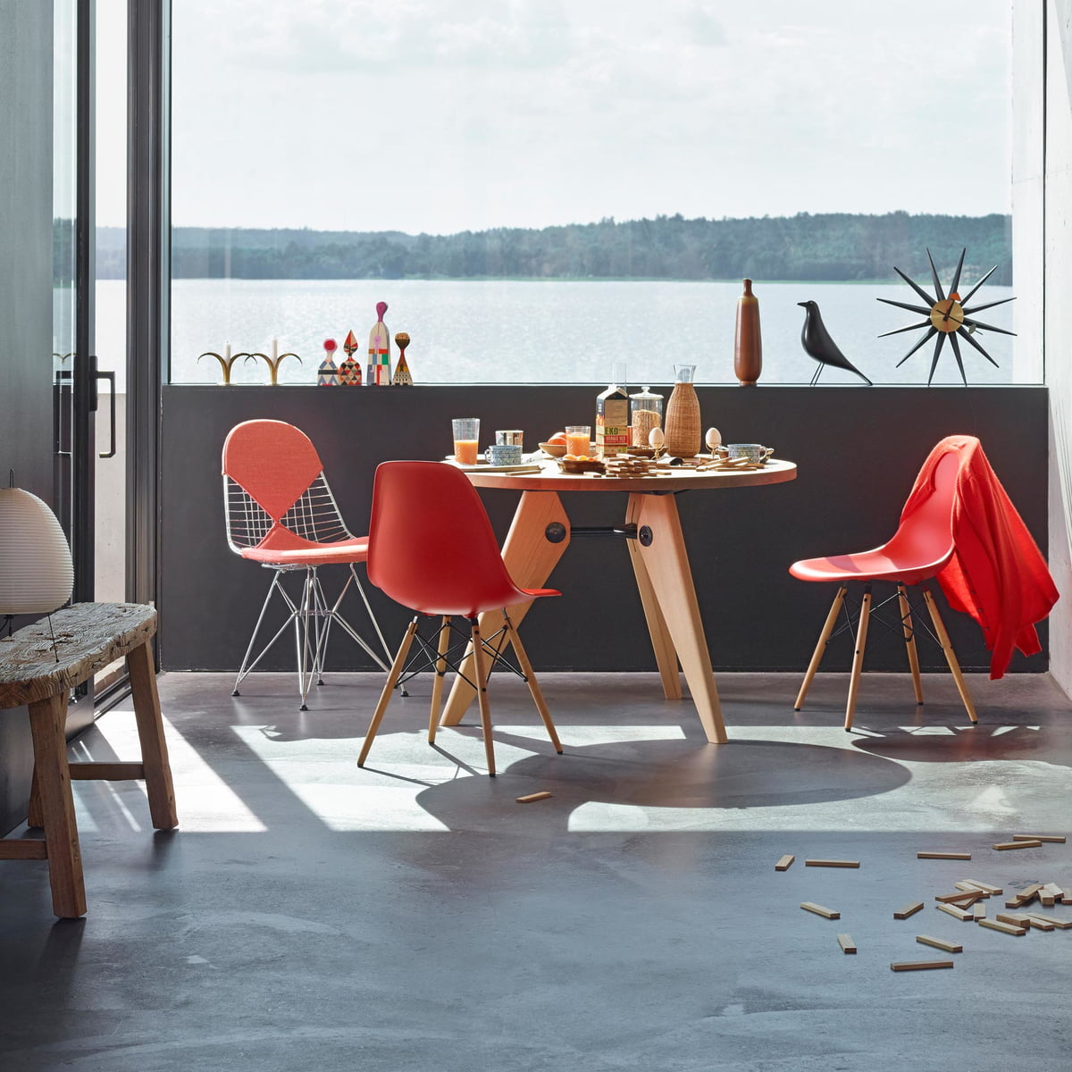 Eames plastic side chair dsw connox shop for Vitra tisch replica