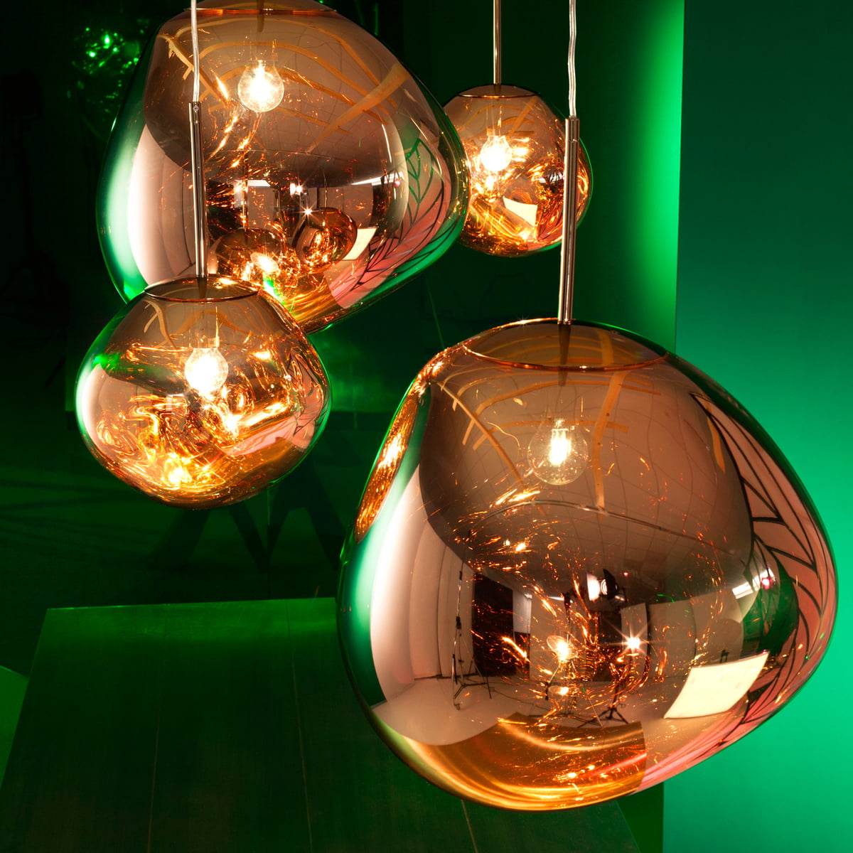 melt pendant lamp by tom dixon in our shop. Black Bedroom Furniture Sets. Home Design Ideas