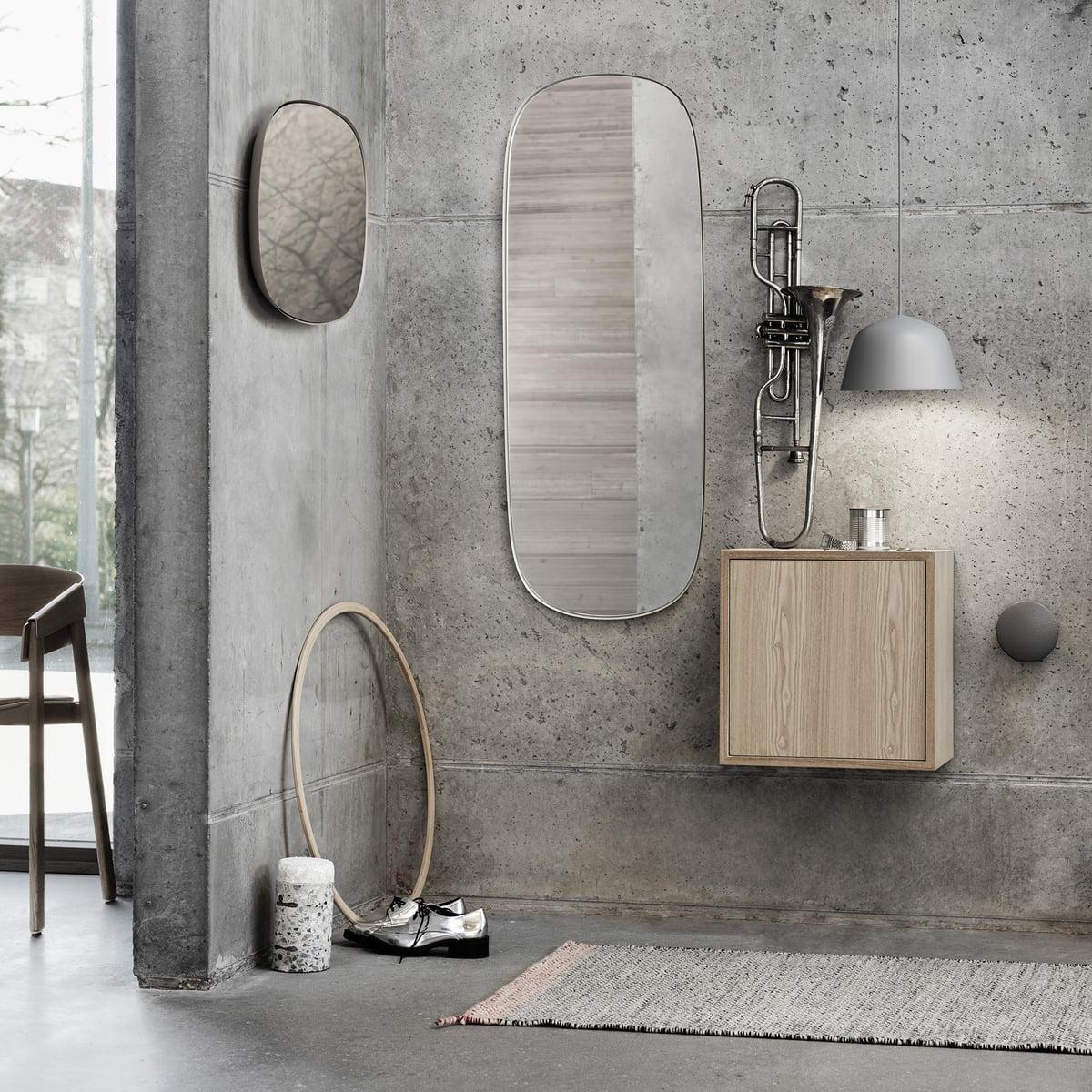 Muuto Framed Mirror Klein Grau Klarglas