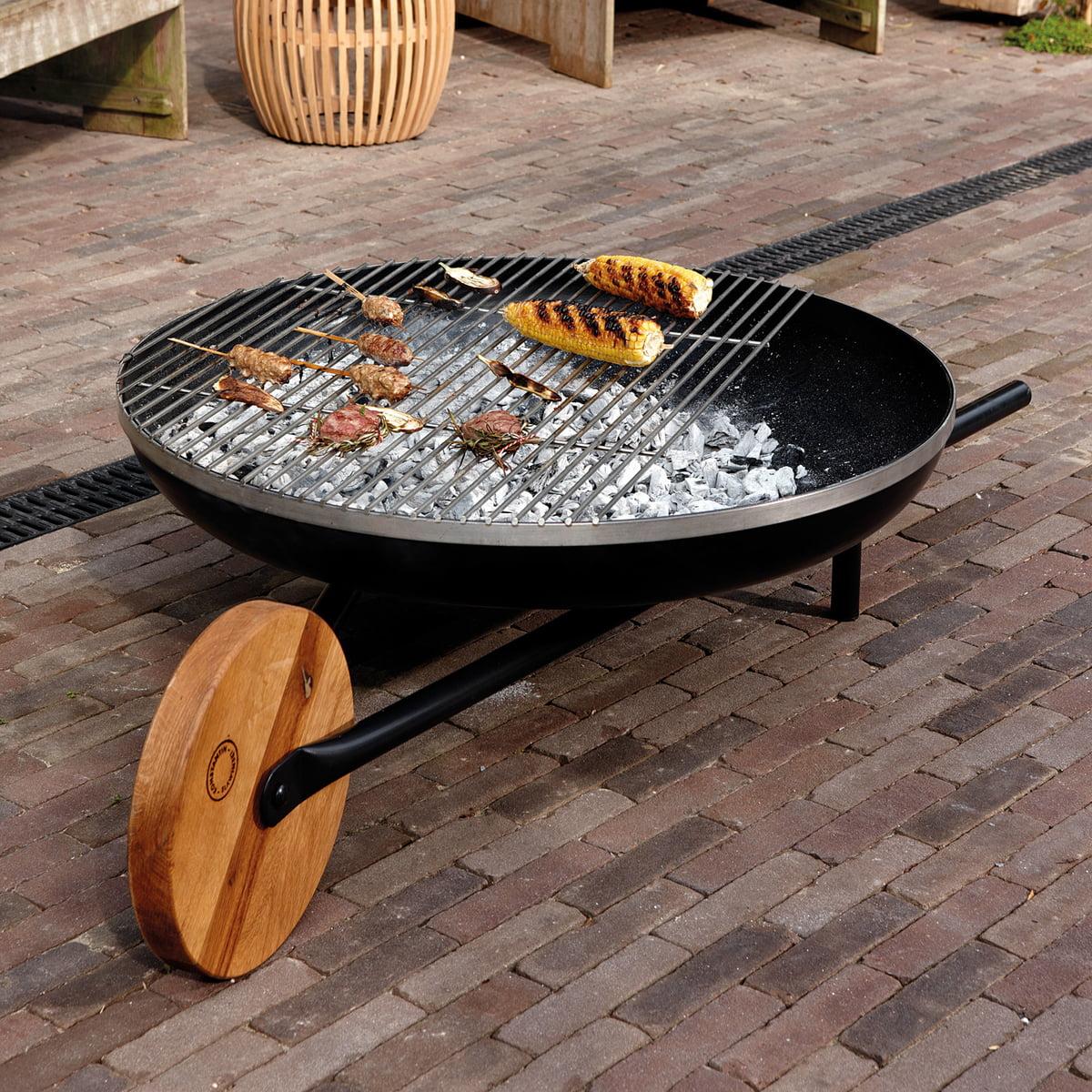 barrow brazier with grill by konstantin slawinski. Black Bedroom Furniture Sets. Home Design Ideas
