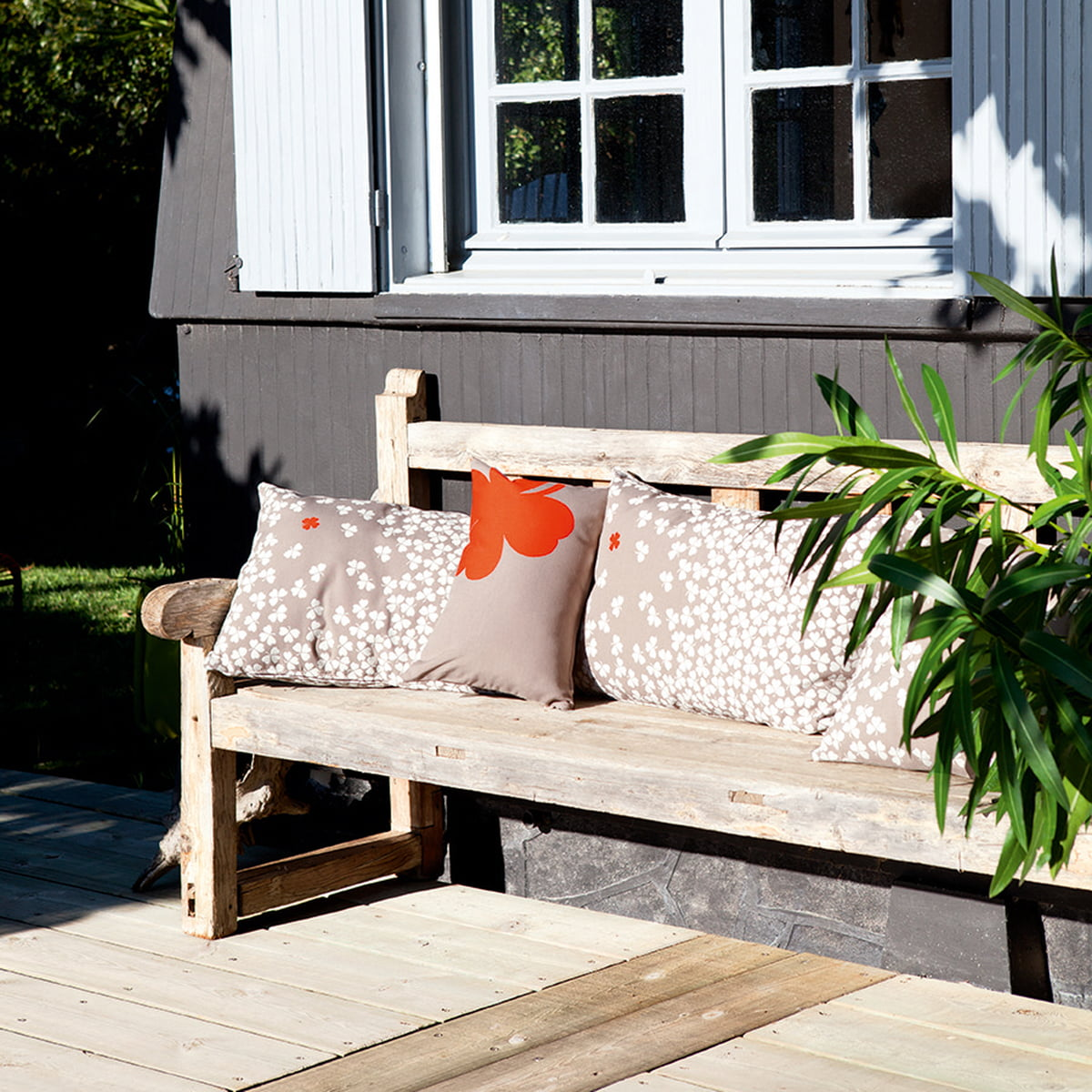 tr fle outdoor cushion 44 x 44 cm by fermob. Black Bedroom Furniture Sets. Home Design Ideas