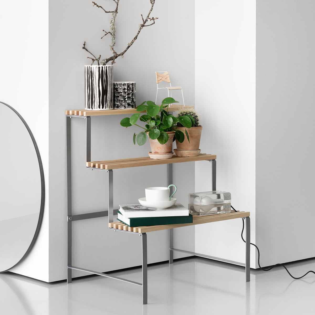 Flower pot stand by design house stockholm for Design de stand