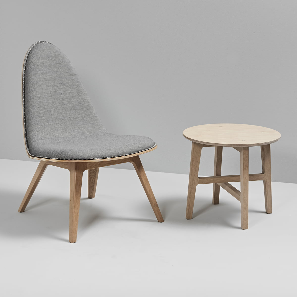 Merveilleux Nordic Side Table And Nordic Lounge Chair