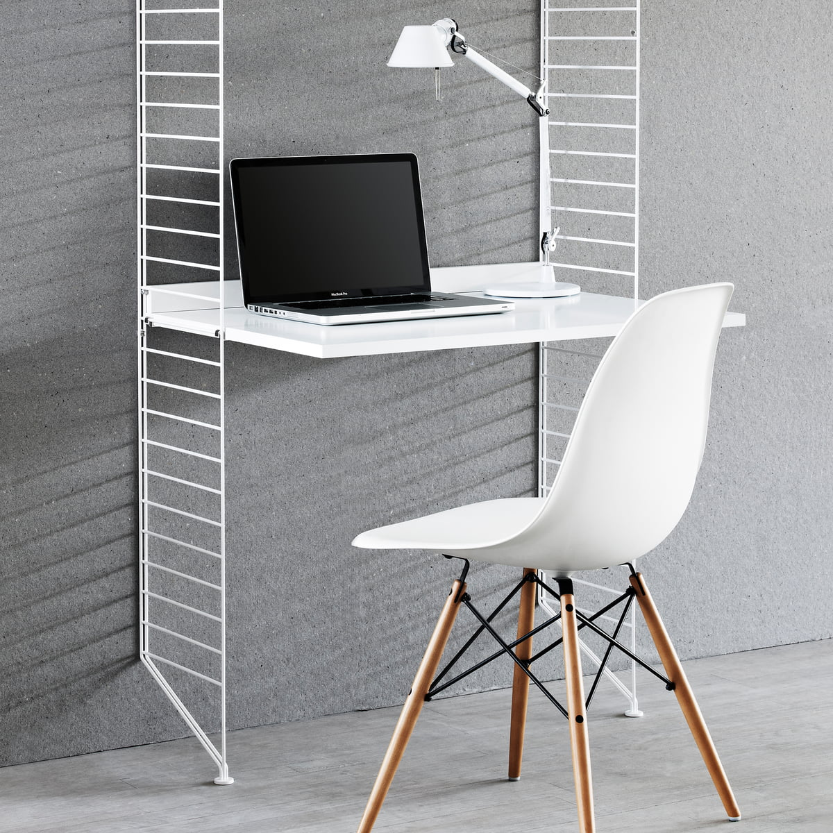 Fantastisch Work Desk 78x58 Cm By String In White Coating