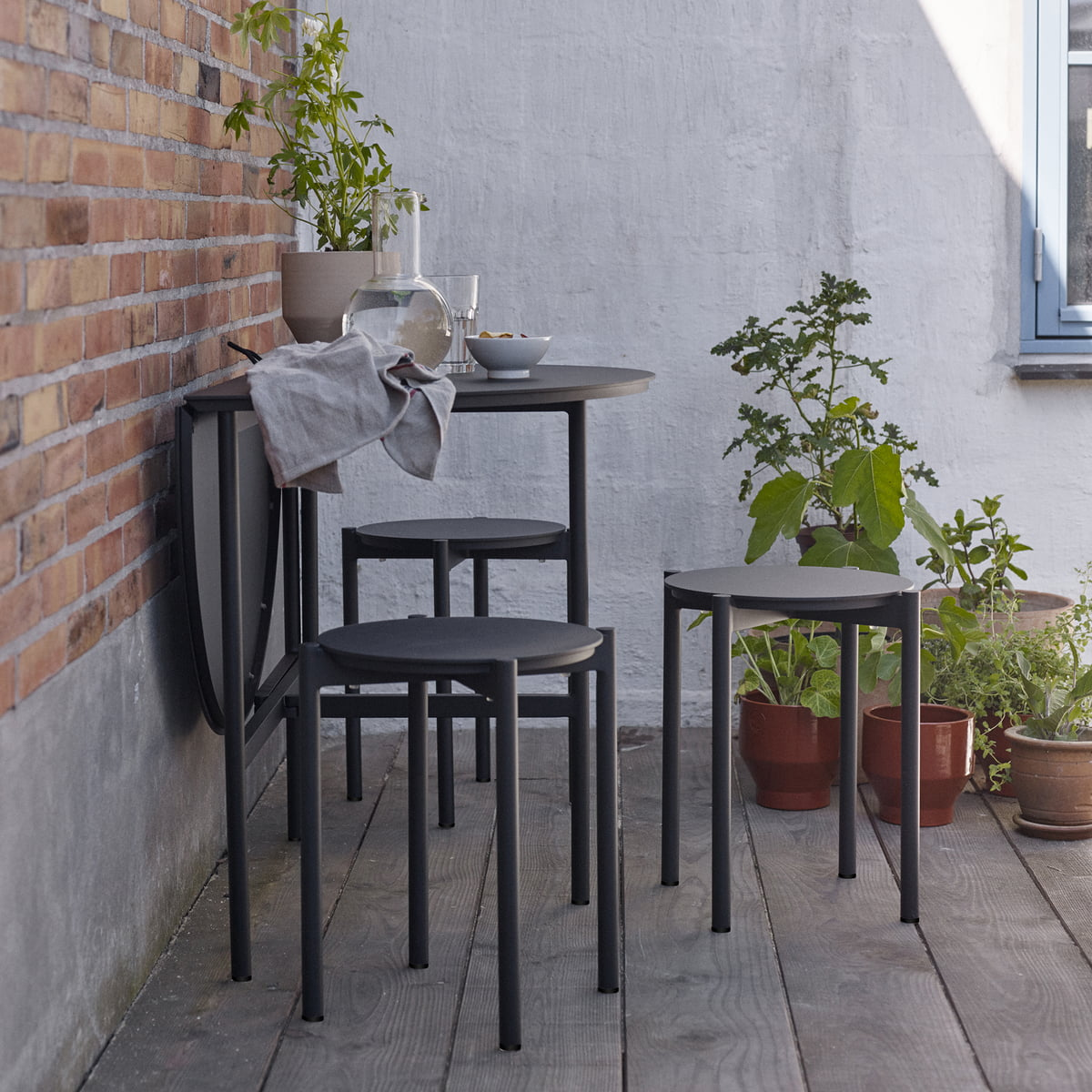 The Skagerak   Picnic Table And Picnic Stool In Anthracite In The Garden