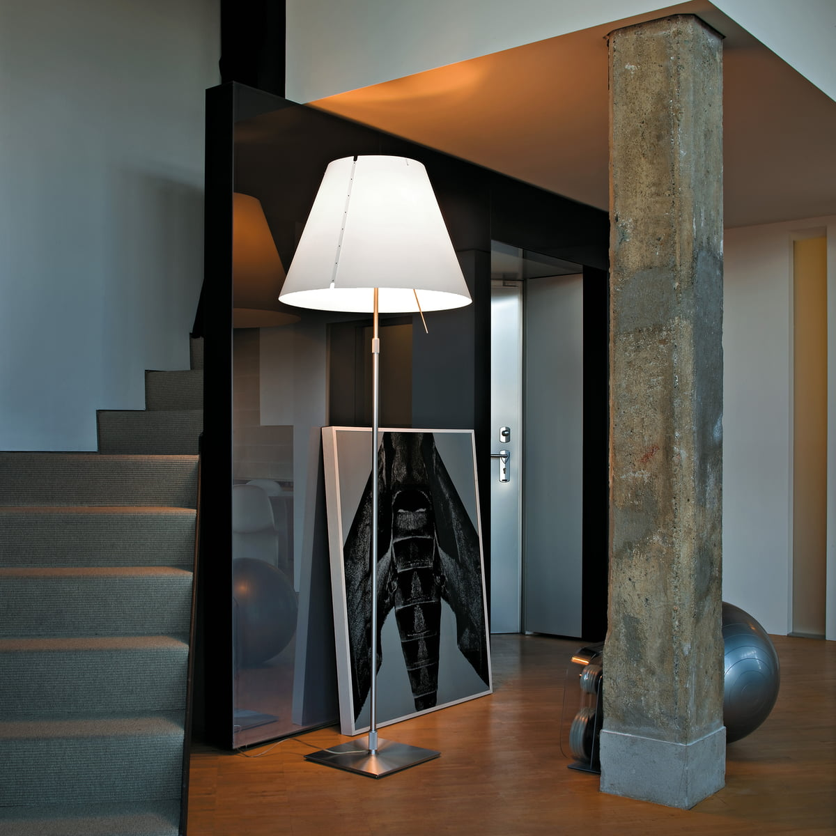 costanza standard lamp by luceplan connox. Black Bedroom Furniture Sets. Home Design Ideas