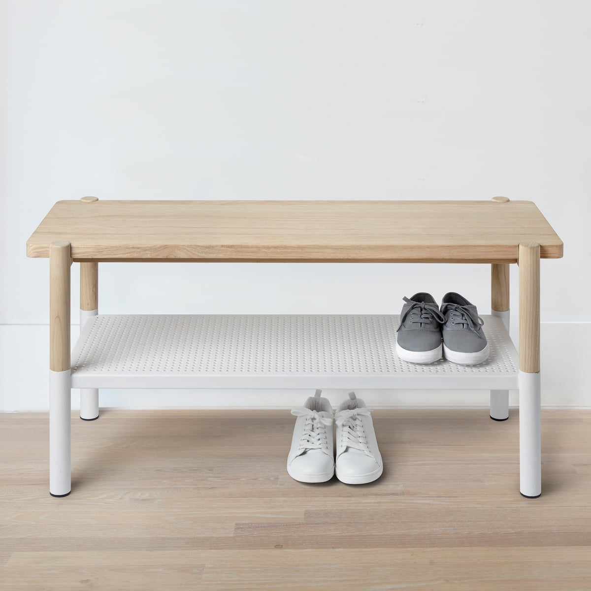 The Umbra   Promenade Bench, White / Natural With Shoes