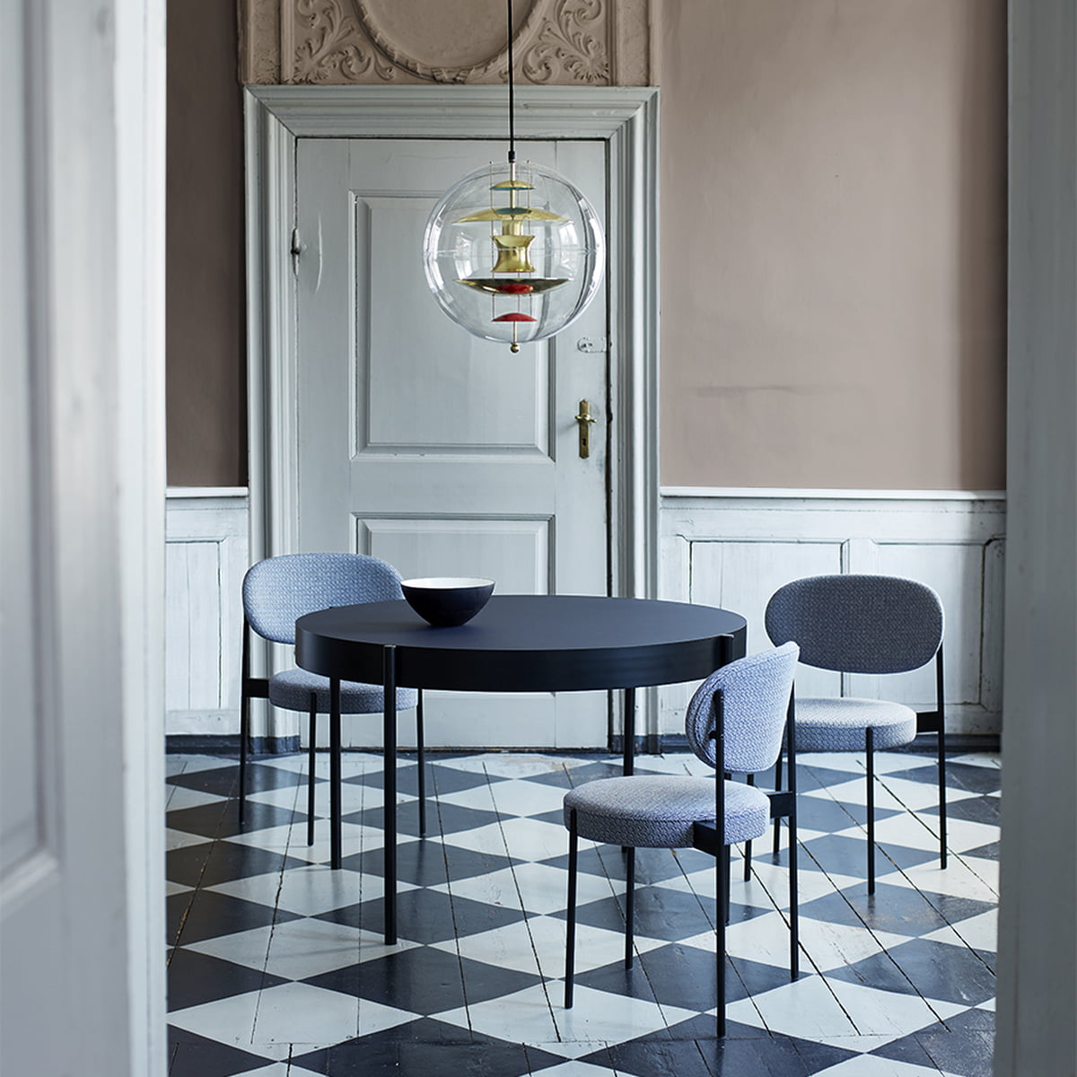 Padded 430 Chair by Verner Panton   Connox