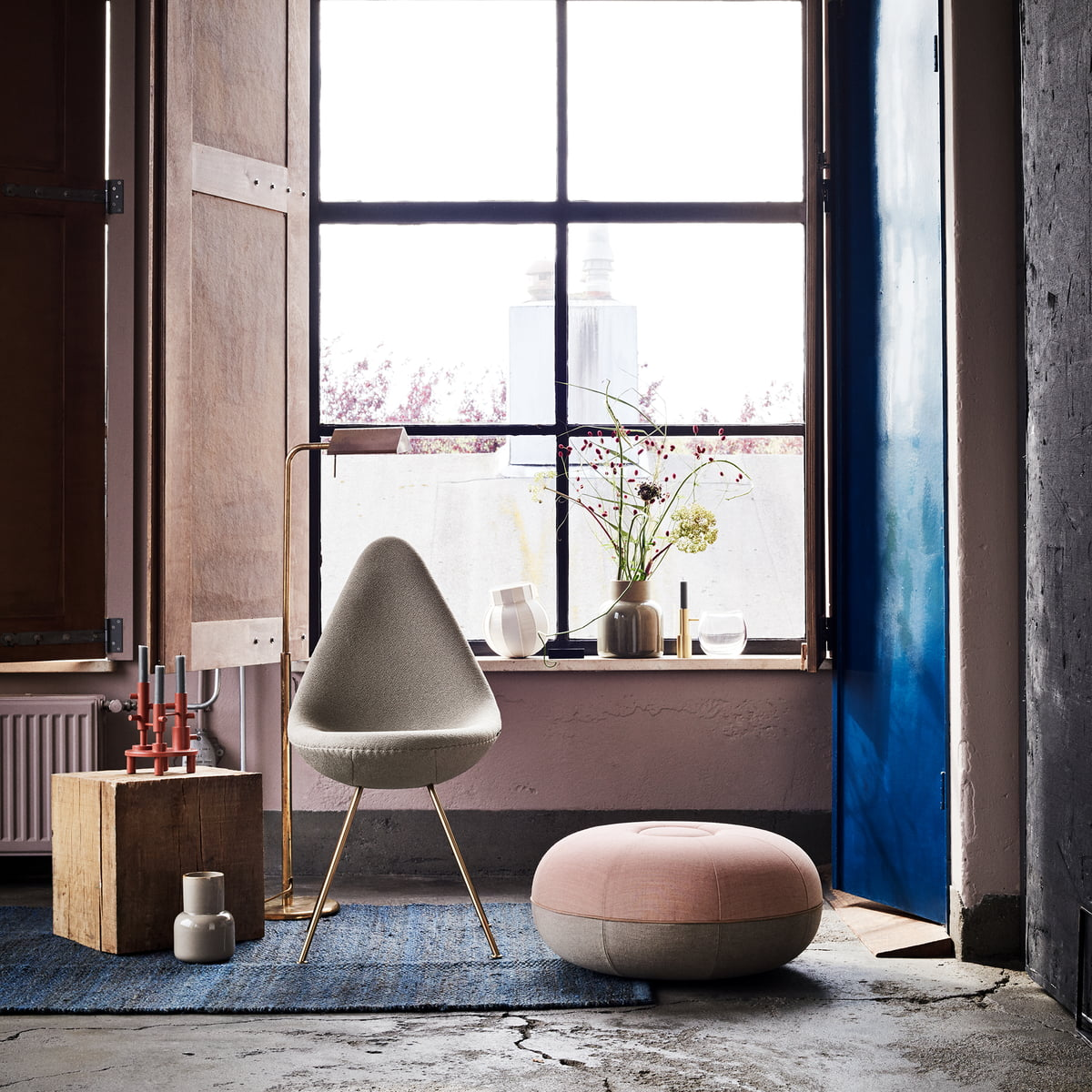 The drop chair by fritz hansen in the shop for Couch 60 jahre