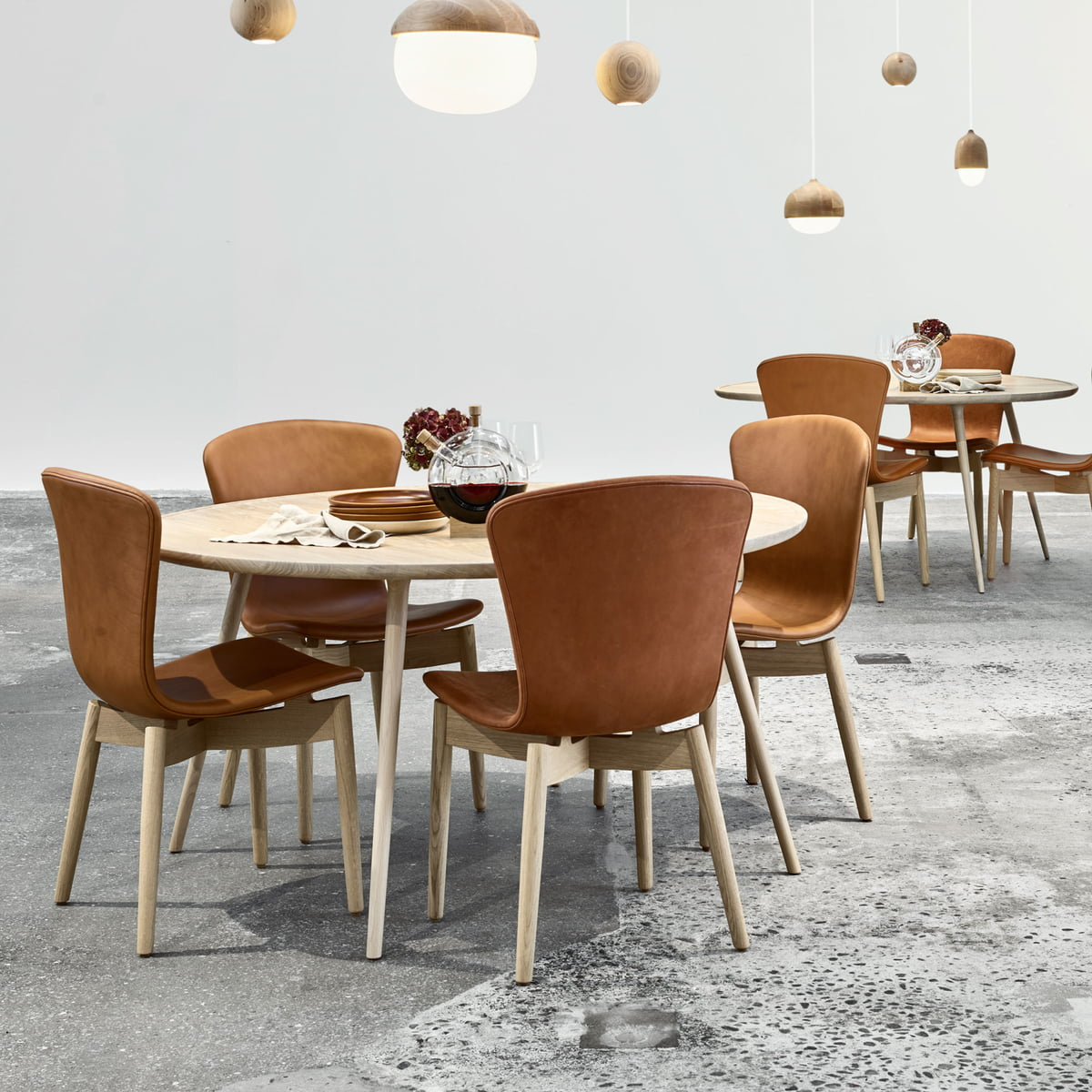 Mater accent dining table ø 140 x h 73 cm oak
