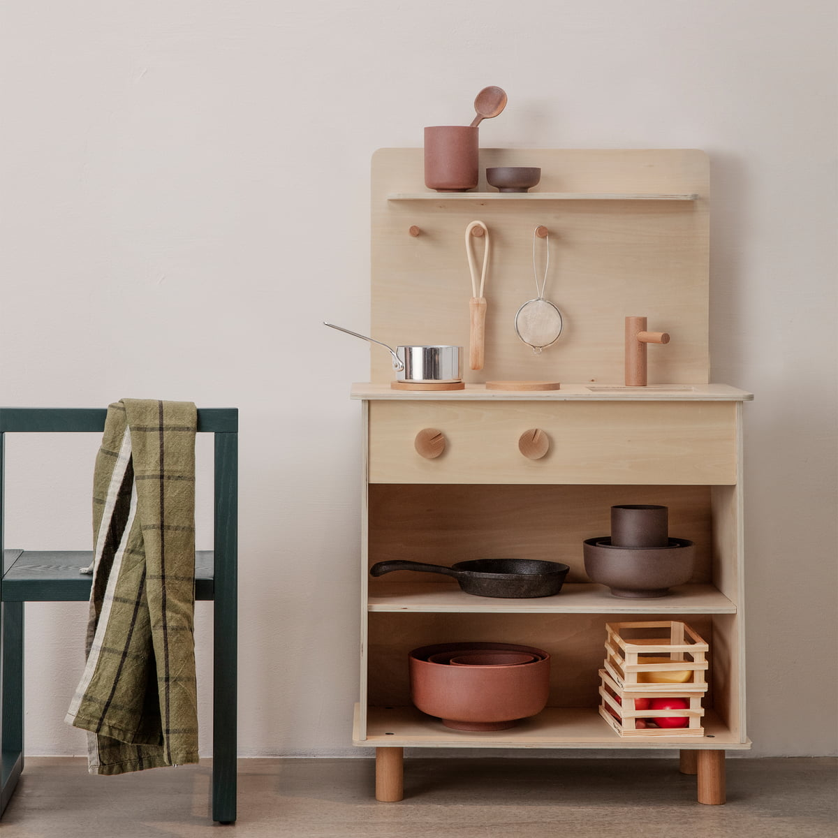 ferm living - Toro play kitchen | Connox