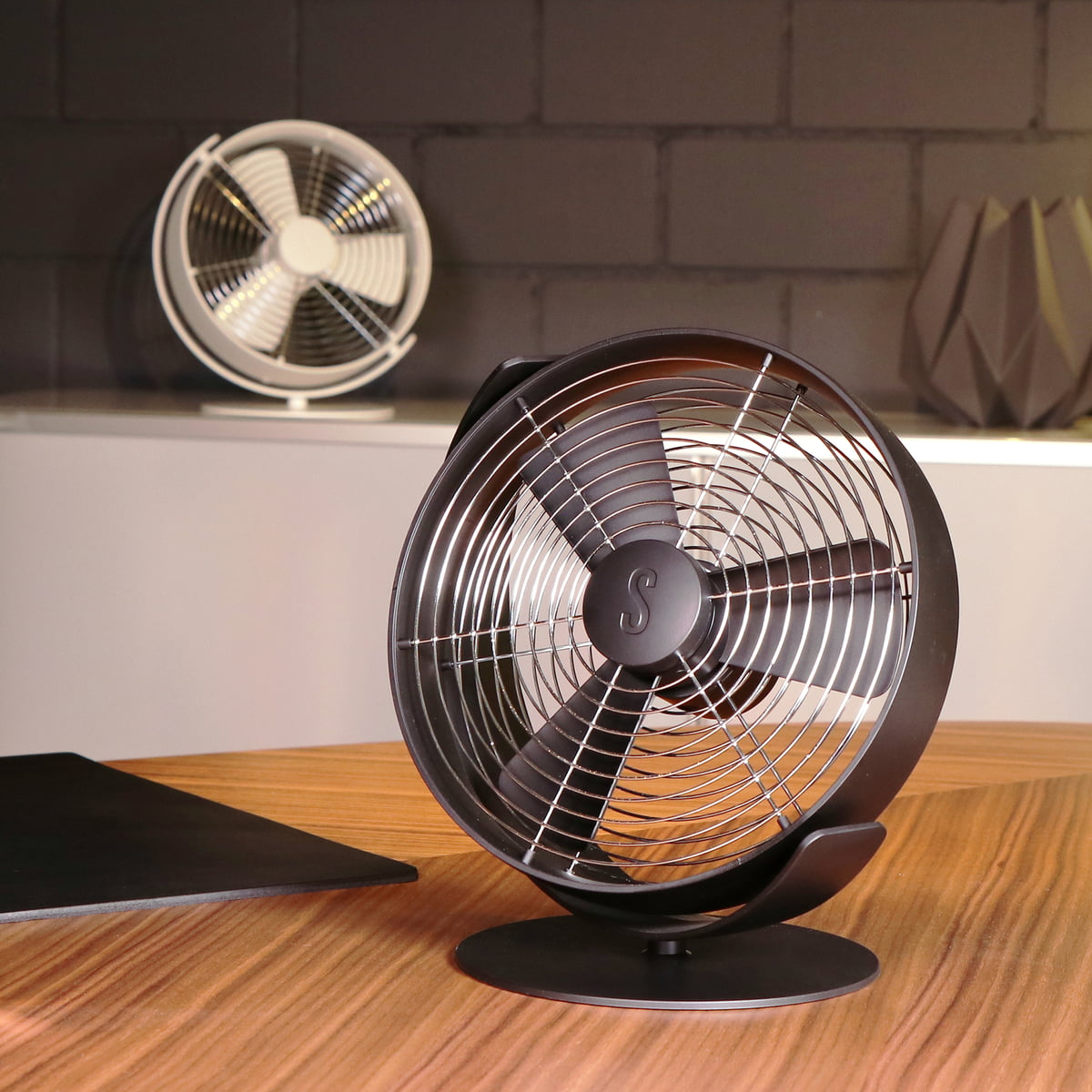 Stadler form - Table fan tim | Connox