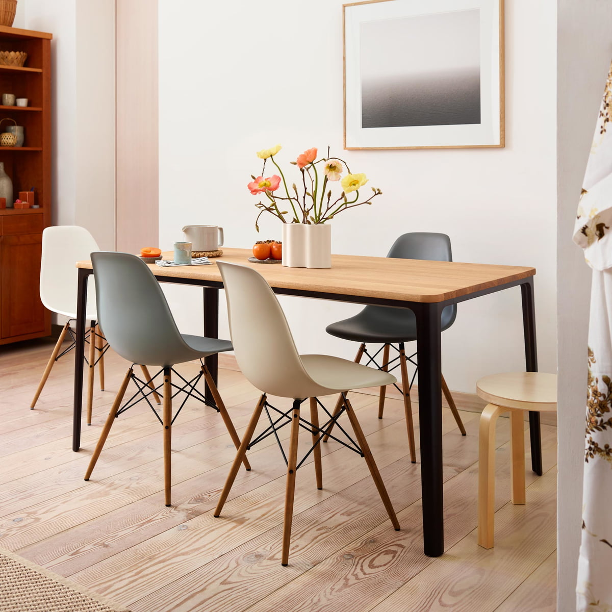Strange Vitra Promotion Set Eames Plastic Side Chair Dsw Set Of 4 Maple Yellowish White Felt Glider White Ocoug Best Dining Table And Chair Ideas Images Ocougorg