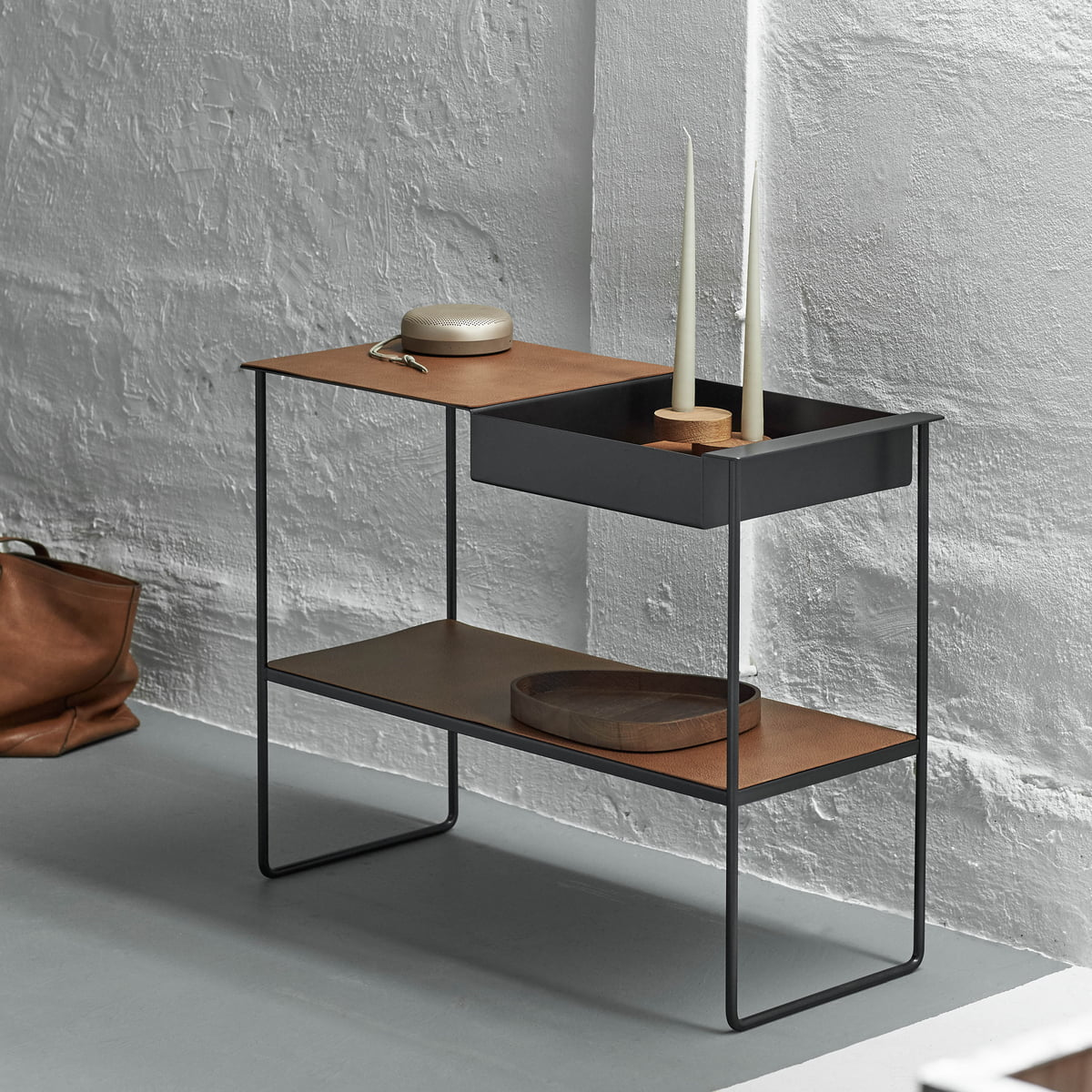 Lind dna - console table with tray, alu black / bull black