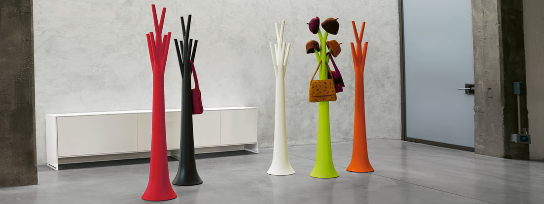 Bonaldo is an Italian design brand. Colourful, decorative & practical - that's what the Tree clothes stands are. Hats, bags and other accessoires can be hung on the branches.