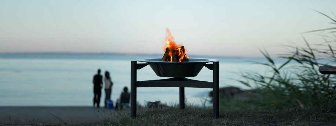 The Danish manufacturer Dancook stands for scandinavian design with high quality. The 9000 Barbecue is suitable as stylish fireplace in the great outdoors.
