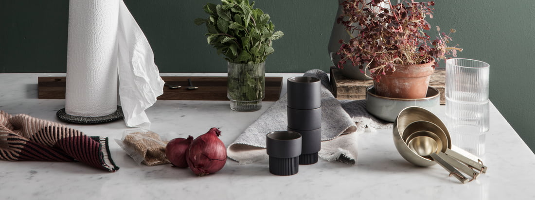 If you are looking for functional design with a playful touch, ferm Living is absolutely what you need. The Kitchen Collection of the design studio is therefore just as diverse, classy and practical as the other objects of the Danish manufacturer.