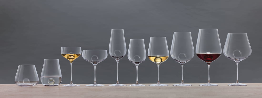 Air Sense Drinking Glass Series by Zwiesel 1872. High-quality, mouth-blown glass in perfection meets clear Scandinavian design: the Swedish design duo Bernadotte & Kylberg and Zwiesel 1872 have developed the exclusive concept series Air Sense, which has no rival.