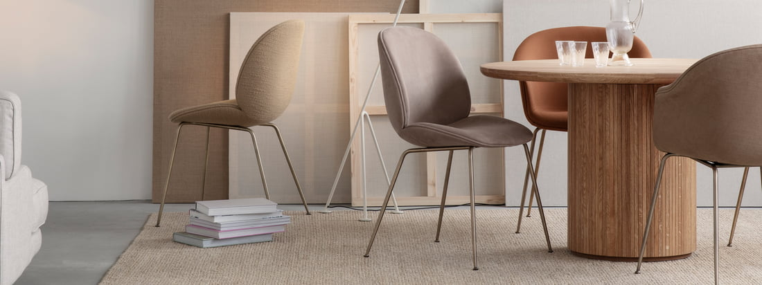 Whether in the office, at home, indoors or outdoors, whether for eating, relaxing or working: The Beetle chair promises timeless seating comfort with its stable shell and soft and comfortable interior.