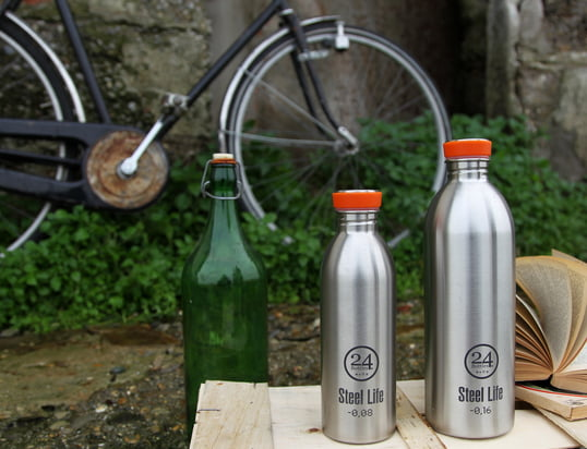 Find drinking bottles and accessories for your bike in here!